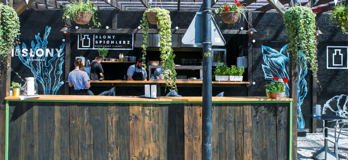 drewno szczotkowane, bar