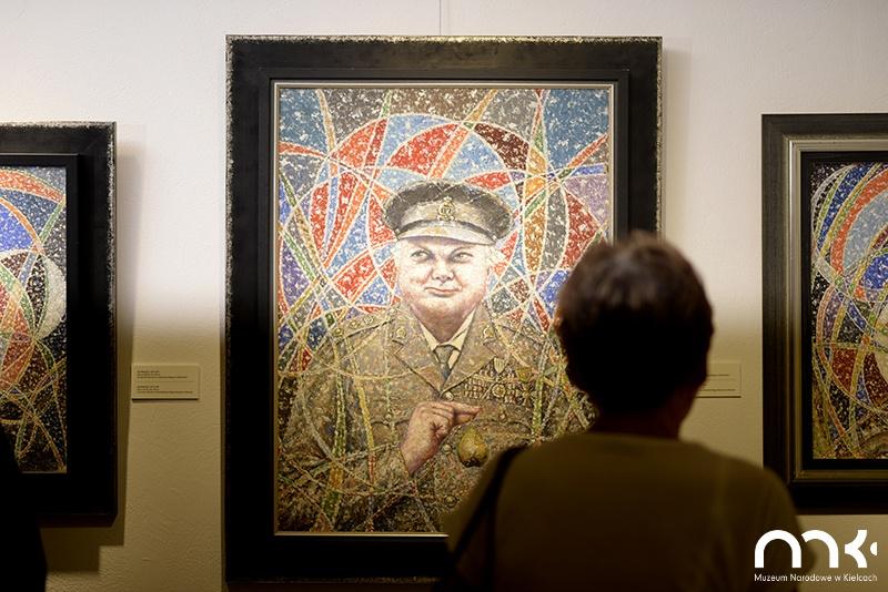 wystawa obrazów, obraz bolesław biegas, biel, tablica informacyjna, kielce